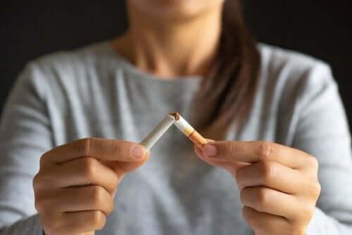 нікотинова жувальна гумка: переваги