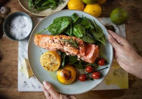 Рання вечеря допоможе схуднути та запобігти діабету