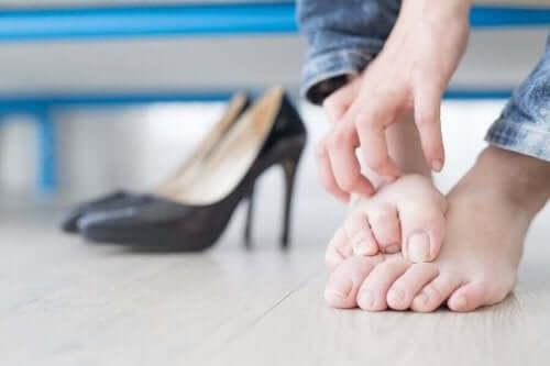 неправильне взуття викликає оніхокриптоз
