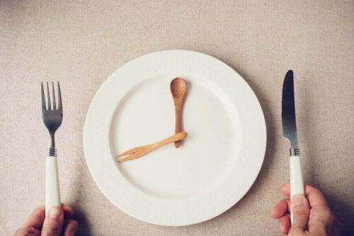 рання вечеря відповідно до біологічного годинника