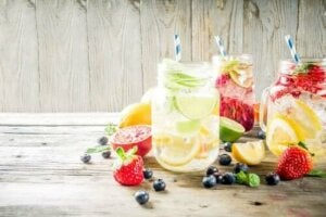 Що потрібно знати про напої зі смаком фруктів