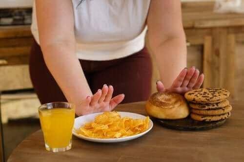 Яких продуктів варто уникати, щоб збалансувати рівень глюкози