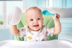 Усе про введення твердої їжі в прикорм немовлят