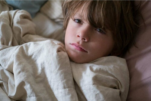 темні кола під очима у дітей через безсоння