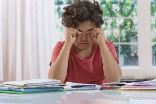 Темні кола під очима у дітей: привід для занепокоєння?